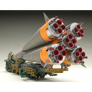 1/150 Soyuz Rocket & Transport Train Plastic Model - Reissue [MODEROID]
